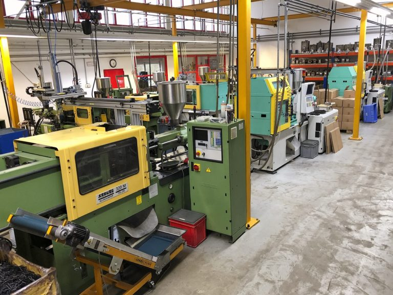 Manufacturing of injection molded parts